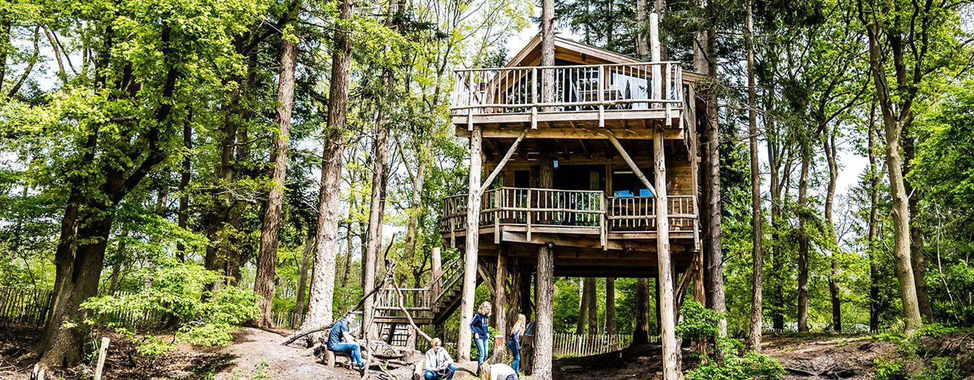 bijzonder-overnachten-in-unieke-boomhut-treehouse