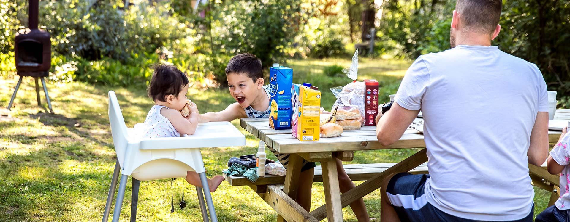kamperen-is-echt-genieten-met-het-hele-gezin